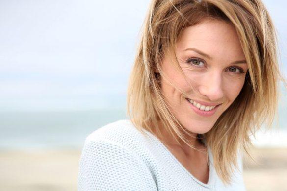 هشت اشتباه در مدل موهای شما که باعث می شود پیرتر به نظر بیایید