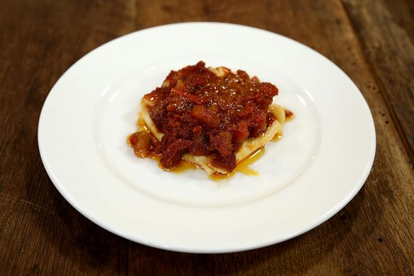 لازانیای بقچه ای پنیر با سس گوجه