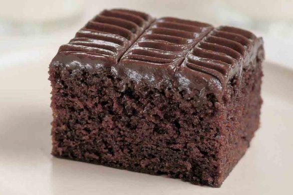 کیک شکلاتی با خانواده
