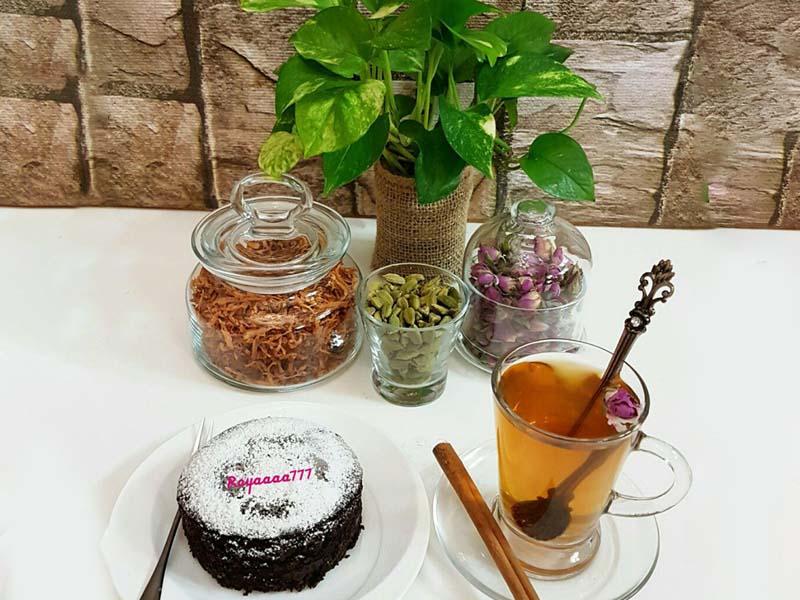دمنوش به و کیک فنجانی بدون فر