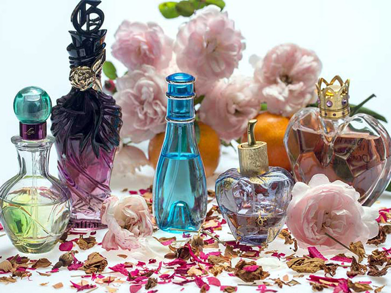 برترین عطرهای زنانه برای فصل بهار
