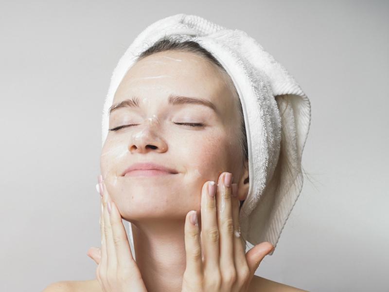 پس از پاکسازی پوست، چگونه از آن نگهداری کنیم؟