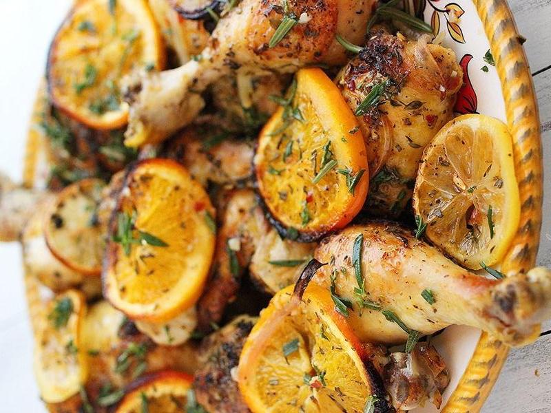 مرغ توفری همراه لیمو و سیب زمینی