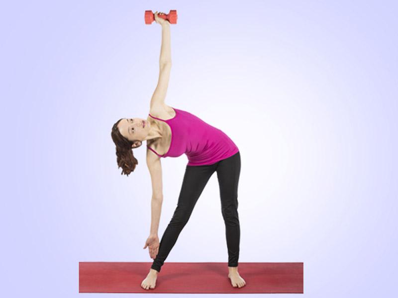 حرکت ورزشی مثلث با دمبل
