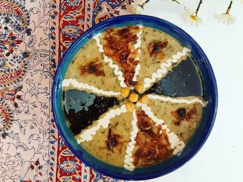 طرز تهیه دو نوع آش ایرانی کم سبزی